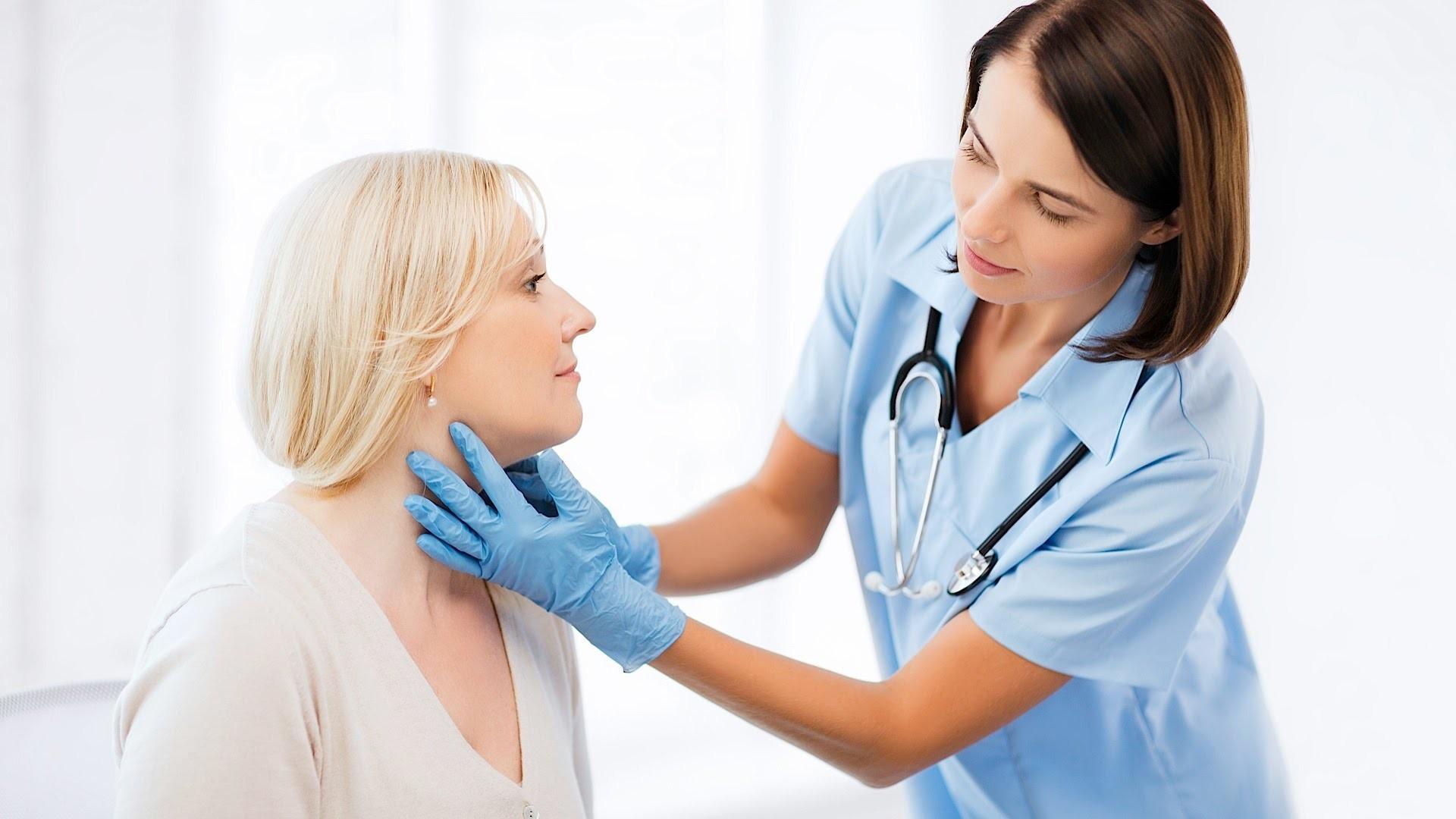 Первые симптомы проблем с щитовидной железой. Консультация эндокринолога