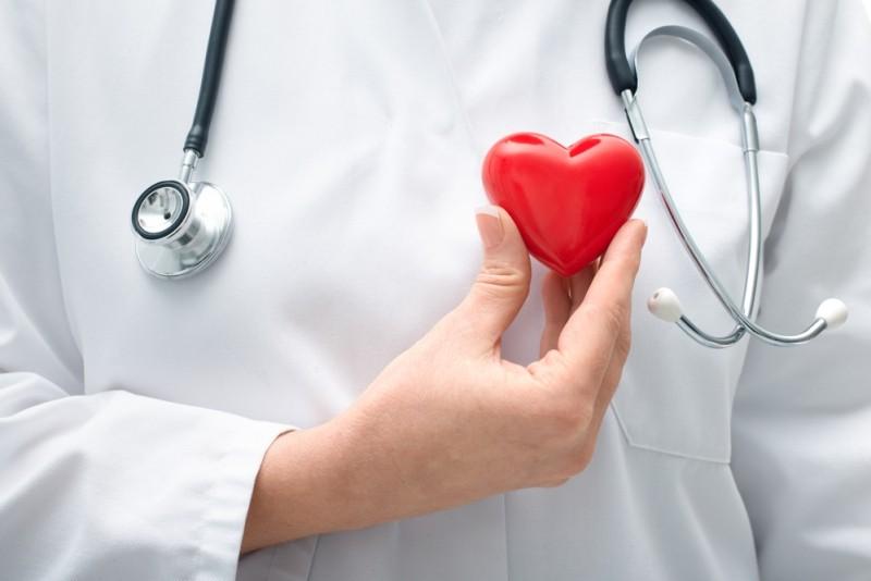 Берегите сердце летом. Обострение сердечно-сосудистых заболеваний. Кому противопоказана жара?