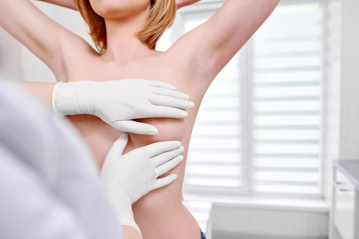 Когда и зачем идти на прием к маммологу?