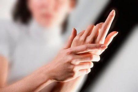 Дрожат руки. Норма или болезнь?