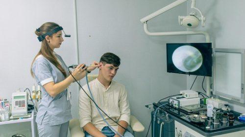 Новий ендоскоп для діагностики захворювань ЛОР-органів у клініці на Дружби Народів
